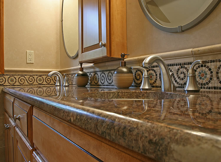 5 Ways Small Bathroom Vanities Can Improve Your Home