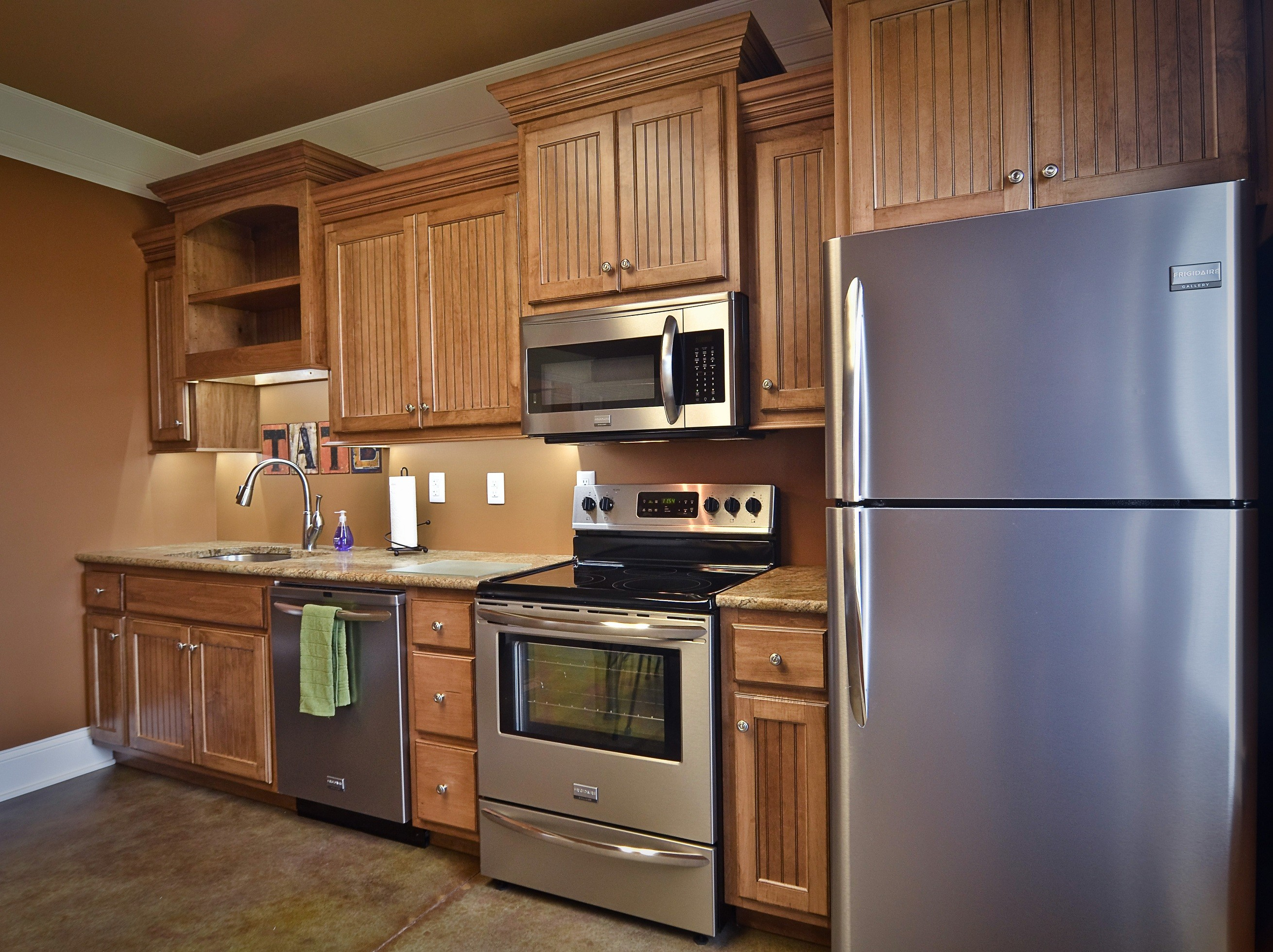Image of: Refinish Your Cabinets With The Perfect Wood Stain Art And Tec