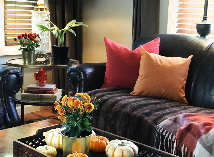 Welcome the Fall With Interesting Décor